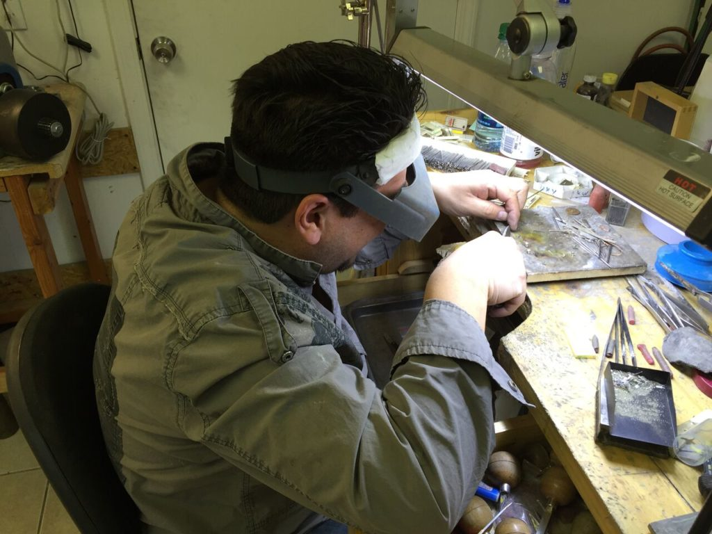 Cleaning and checking of diamonds and jewelry